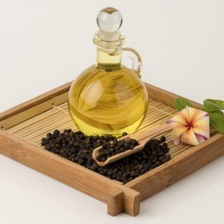 Oil of the Month for January 2018 by our Victoria Lily